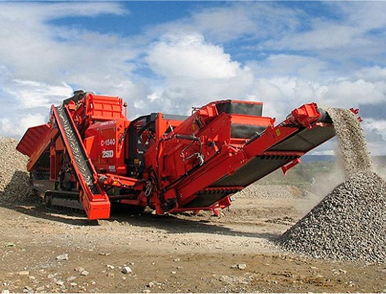 Finlay I-1310RS Mobile spring crusher with a sorting module