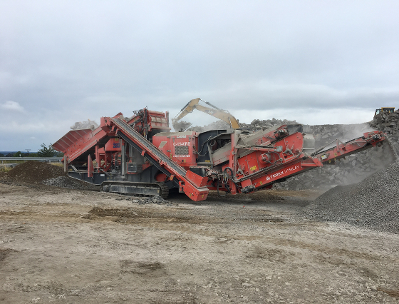 Finlay J1540C Mobile conical crusher with a sorting module